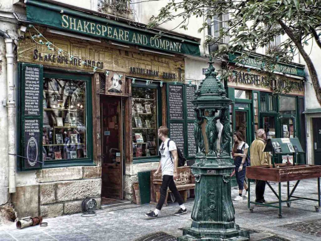 Shakespeare and Company, Paris, France | Beyond the Lamp Post | Literary Travel & World Literature